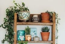 Simple Farmhouse Decor / Styling your country home with simple décor, neutral colors & wood, and a cozy, hospitable vibe.