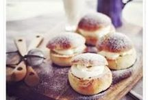 What's for Breakfast? / Buongiorno Mondo! | Good Morning World!