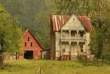 OLD FARM HOUSES / by Kevin Hillis