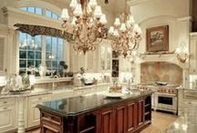 KITCHENS / Gorgeous kitchens and awesome décor ideas / by Brandy Pagan