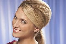 How To Make A Teased Ponytail / Learn how to make a teased ponytail in four easy steps. Now you can pair a fabulous hair style with your business attire or simply a romantic look for a Saturday night. http://www.hairperfecter.com/how-to-make-a-teased-ponytail/ / by Perfecter Beauty Products