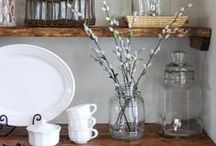 Trend - Open Shelving / Display your most beautiful kitchen accessories for all the world to see! Open shelving is a stylish way to add both storage and aesthetic interest to your kitchen, whatever its size.