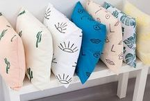 Plaids & Kussens / Find colorful pillows and plaids for indoor and outdoor.