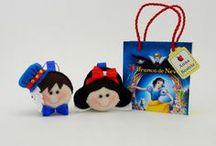Branca de Neve / Lembrancinhas de aniversário infantil para festas temáticas com a personagem Branca de Neve.