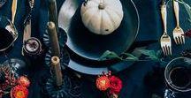 ♥ HALLOWEEN DEKO / Schöne Ideen für eine eine stilvolle Halloween Party oder dezente Halloween Deko für jeden Tag. Auf meinem Board zeige ich dir, dass es auch ohne Kunstblut und Gruselmasken geht.  Halloween Deko, DIY Kürbis, DIY Ideen, Halloween Tischdeko, Tischdeko, Servietten, Fledermäuse, Schwarze Tischdeko, Halloween, Wohnen,