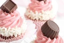 cakes / by Nancy Bivins