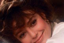 Rachel Ward / tout ce qui concerne cette actrice mais surtout réalisatrice et productrice. aussi parce qu'elle a privilégié sa vie de famille avant sa carrière d'actrice.