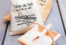 Gastronomie rétaise / L'ile de Ré c'est de nombreuses spécialités locales, sel et fleur de sel de l'île de Ré, bière de Ré, Cognac, pommes de terre de l'île de Ré, etc.