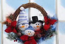 Wreaths & Door Arrangements / by Amparo Salazar