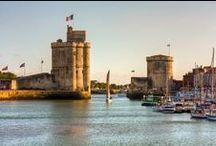 A proximité : La Rochelle / Un pont à traverser, 10 minutes de bus (avec transport vélo) et vous voilà en plein cœur de nombreux siècles d'histoire : n'hésitez pas à louer un Yélo (l'ancêtre du Vélib) afin de découvrir les nombreux trésors rochelais !
