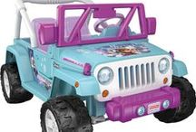 Holiday Toy List / We share the best toys in 2015 for everyone on your Holiday shopping gift list. Discover popular toys for girls and boys (and kids at heart) this Holiday. Whether you are looking for gift ideas or browsing for best selling toys, we can help you find the perfect toys for everyone on your Holiday gift list.
