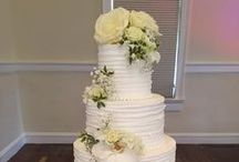 Colorado Rose Cake Company / Colorado Rose Cake Company is a mother- daughter team, a unique home based business, specializing for 20 years in the finest, professionally decorated wedding cakes for the wedding venues of Estes Park.