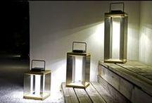 TINKA par Les Jardins® / des lampes nomades et solaires à poser ou à suspendre vous éclairent clairement, une large palette de couleurs vitaminées pour embellir et mettre en lumière vos extérieurs ou votre terrasse