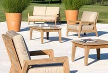 STAFFORD par Les Jardins® / produits de grande qualité en teck de plantation, le bois, tables, à lattes larges, chaises et fauteuils pliants sillage