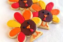 Themes & Schemes: Turkey Time / Thanksgiving-themed ideas for PreK and Kindergarten, including art ideas, crafts, literacy and math centers, bulletin boards and more! Also links to lots of great free printables! Includes turkeys, pilgrims, etc.