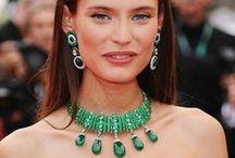 Celebrity Red Carpet Jewelry Looks