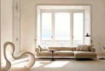 Busnelli / Busnelli należy do najstarszych producentów mebli tapicerowanych we Włoszech, a kanapy Busnelli należą do najbardziej cenionych w świecie. przystosowując wygląd mebla do oczekiwań konkretnego klienta. Obecnie, obok sof, kanap i foteli, w ofercie firmy znajdują się także meble takie jak stoły czy szafki. Wszystkie charakteryzują się zawsze doskonałym wzornictwem, perfekcyjnym wykonaniem i najwyższej jakości materiałami.www.busnelli.it