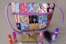 Makeup Bag Patterns / More at www.Bags-to-Sew.com