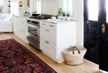 HOME  |  Kitchen ideas / Light, white and bright kitchen ideas that inspire the foodie inside me to cook up glorious concoctions!