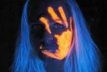 Pikakampaukset ja UV-meikit / Ideoita pikaisiin kampauksiin ja UV-meikkeihin. #uv #makeup #hairdo #party #glowinthedark #ideasforparty #neon #diy #neonparty