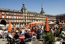 """Madrid, Spain - Life, Food and Culture / Booking accommodation with Gomio, and wondering what to do in Madrid? First of all, go for """"chocolate con churros"""" especially if you feel a bit tired, then have a cold beer (caña) at the Placa del Sol and enjo the delicious tapas! There are so many things to do in the capital of Spain - let's find it out!"""