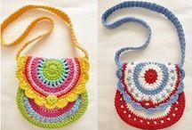 Crochet; grote en kleine tasjes ... / crochet / by Liliane Heydens