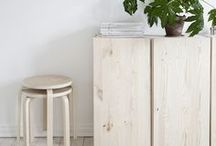 WHITE & WOOD / Beautiful combination that makes a bright crisp home. The wood and nude colors brings a little warmth.