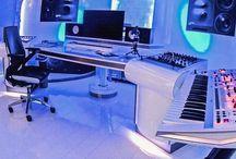 """MAO, Studio & DJing / Traduit par mon projet Be&Why?, je m'intéresse à la MAO et DJing. Ce tableau représente alors les aspects techniques, les logiciels et programmes, le matériels studio et mes goûts pour la """"technologie sonore""""… :-)"""