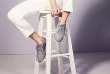 Una mujer, una silla / Retratos de mujeres con solamente una silla