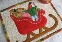 Cozy Christmas Quilting / http://quilting.myfavoritecraft.org/christmas-quilting-patterns/