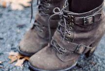 Women's Shoes: Boots