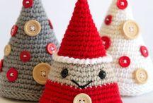 Navidad , Tejido Crochet, Abalorios / Diversos modelos de adornos para celebrar Navidad.