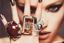 ACCeSSer'iZe Me !! / <3 A must <3 / by Janie Morin