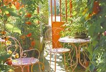 My Blog Place / If my blog were a place, it would be a garden, with a deck, full of colors and cozy little corners, where you can have lunch, work out or just relax.