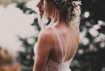 wedding / #mariage #colorchart #colortheme #dress #dresses #wedding #planning #tables #center #theme #groom #bride #rings #present #cadeau #cake #gâteau #white #lace #blanc #dentelle #backless #flowers #fleurs #simple #beautiful #ring #diamond #silver