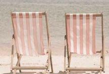 Fouta à la Mer / La fouta vous accompagnera lors de vos vacances au bord de la mer. Sobre et épurée, elle exhale un souffle de vacances et de soleil. Pour consulter tous nos modèles rendez-vous sur notre site web : www.famillenomade.ca