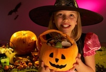 Spooktacularly Simple and Cheap Halloween Ideas / Simple frugal, fun ideas for Halloween costumes, parties, and decorating.