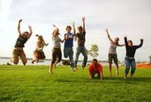 Family Reunion Activities / Planning a family reunion? From things to do and things to eat, here are some frugal ideas that are sure to please every generation in your family.