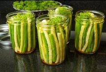Canning How-Tos and Recipes / Canning tips and tricks as well as canning recipes.