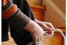 Kids Fine Motor Play / Toys and activities to help your child develop their fine motor abilities.