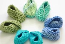 Knit Baby Patterns / Knitted Baby Hat, Booties, Blankets, Toys with FREE Patterns | Studio Knit