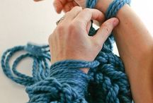 Knit + Craft Arm Knitting / Arm knitting tutorial, video, and inspiration. Free and easy instruction.