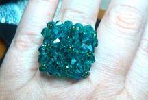 Anelli fatti a mano / Con perline,cristalli biconi o a cipolla,rocailles,conteria varia ecc...