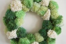 Craft Pom Pom Pompoms / Free and easy craft ideas for adults and kids with pom poms!