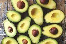 Avocado / Avocado's zijn super gezond, ze zitten boordevol goede vetten en vitamines. Ook kan je volop variëren met avocado's en als vervanging van andere ingrediënten gebruiken.