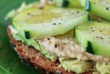 komkommer tijd! / Komkommer is een van de populairste groenten in Nederland. Komkommer zit vol voedingsstoffen en je kunt er de lekkerste gerechten mee maken!