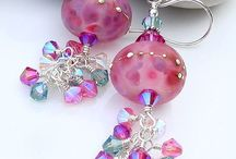 Making Jewelry~*~ / Ideas, information, sales advice, sources for beads and findings as well as display ideas.