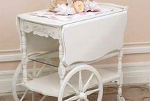 Tea Cart Cottage~*~ / Taking tea is such a lovely and relaxing way to spend a bit of your day that a whole cottage decorated in a tea time theme is simply splendid!