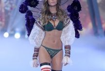 Τhe 2016 Victoria 's Secret Fashion Show 30/11/2016 / SEE EVERY RUNWAY LOOK FROM THE 2016 VICTORIA'S SECRET FASHION SHOW From Bella to Adriana to Jasmine, what every VS model wore down the runway.