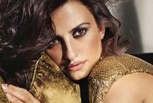★PENELOPE CRUZ Woman on Top / PENELOPE CRUZ (April 28,1974)signed by an agent at age 15,she made her acting debut at 16 on television and her feature film debut the following year in Jamón, jamón (1992), to critical acclaim.She has received critical acclaim for her roles in Volver (2006) and Nine (2009) receiving Golden Globe and Academy Award nominations for each.She won the Academy Award for Best Supporting Actress in 2008 for Vicky Cristina Barcelona.She was the FIRST Spanish actress in HISTORY to receive an Academy Award
